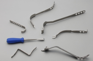 Retractor system for THA/TKA surgeries.